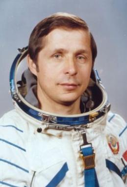 Вятский космонавт В. П. Савиных