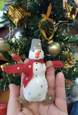 Снеговичок из фетра