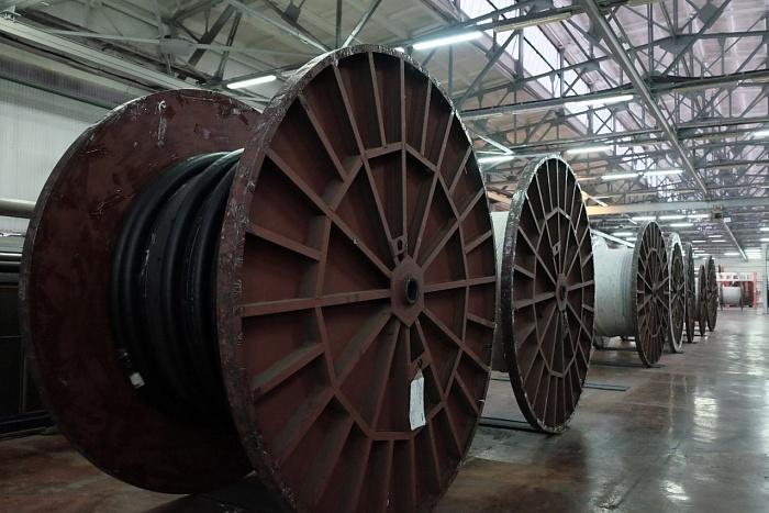 В Кировской области готовятся к производству уникального высоковольтного кабеля