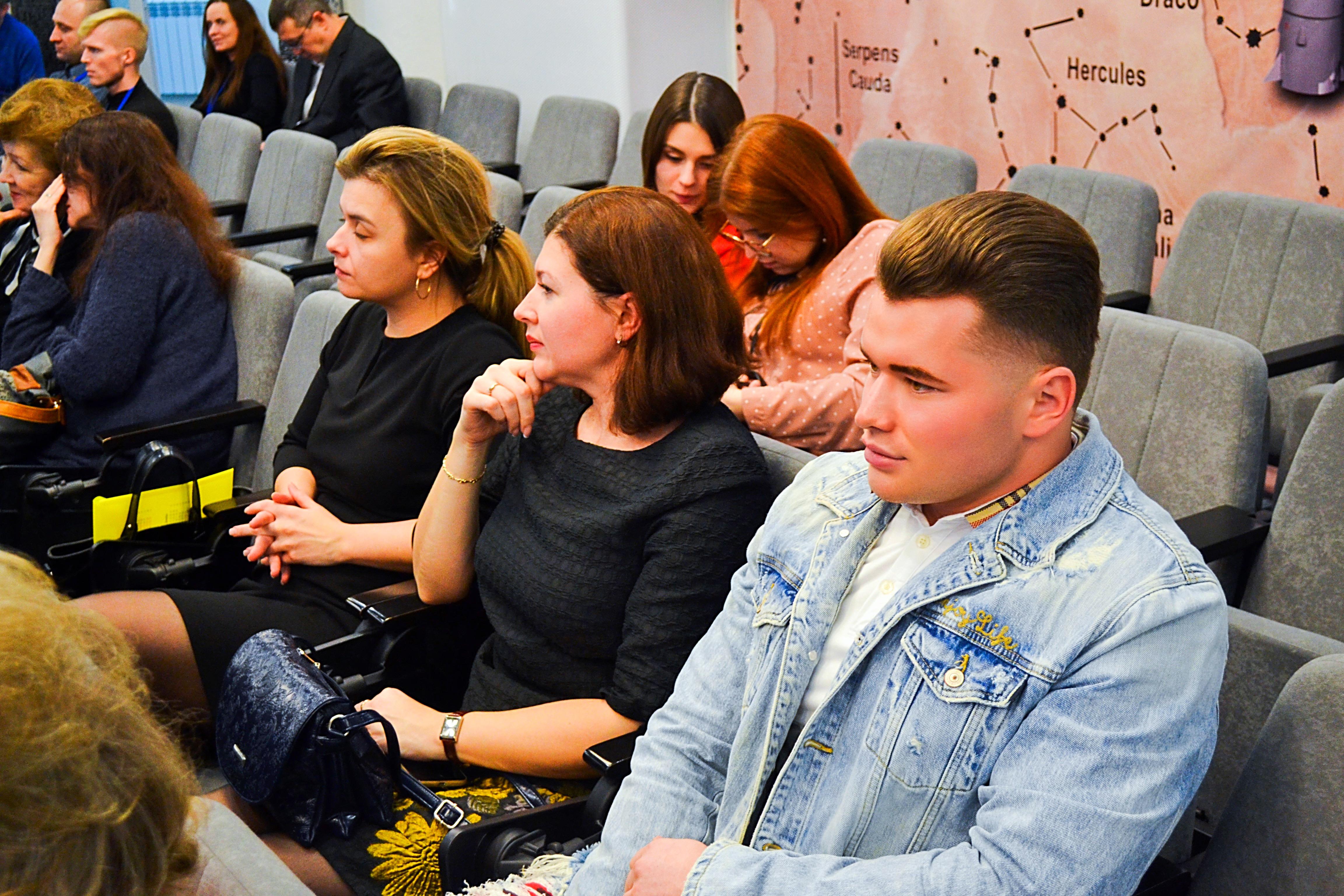 Павел Валенчук: Депутаты должны активно использовать соцсети
