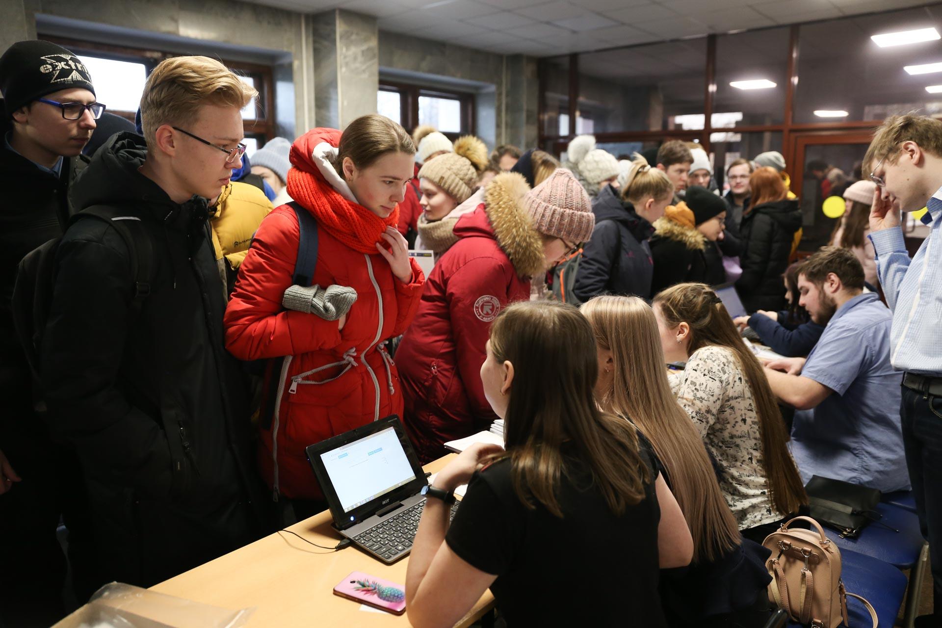 Флешмоб MathCat в ВятГУ собрал около 700 кировчан