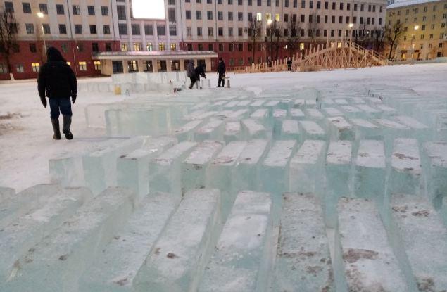 Оттепель не растопит лёд для новогоднего городка