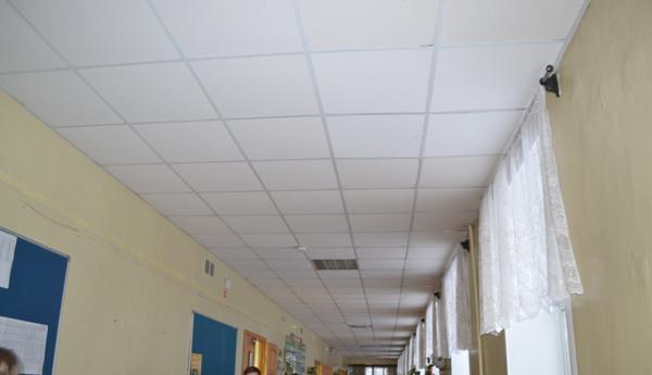 «Новая школа» осмотрела потолки 31 школы Кирова