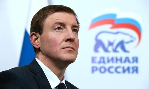Действующая конституция позволила России встать на путь стабильного развития