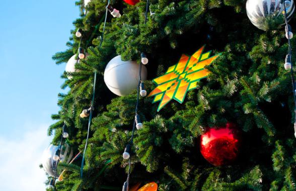 В выходные зажгутся ёлки на площадях Кирова
