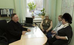 В приемной Олега Валенчука помогут словом и делом
