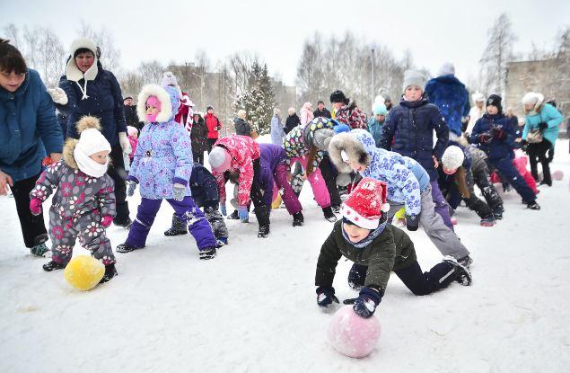 В кирово-чепецких дворах при поддержке «УРАЛХИМа» прошли новогодние праздники