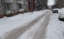 В Кирове плохо чистят дороги от снега
