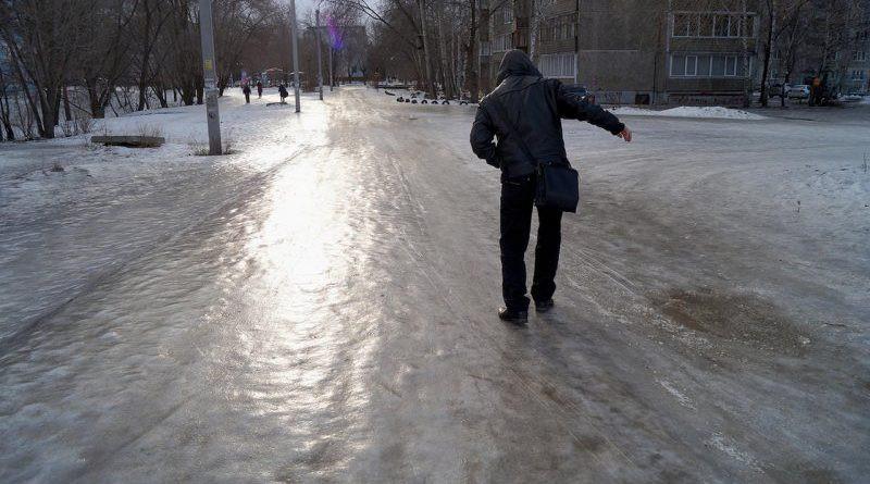 Следователи проверят чиновников, отвечающих за качество тротуаров в Кирове