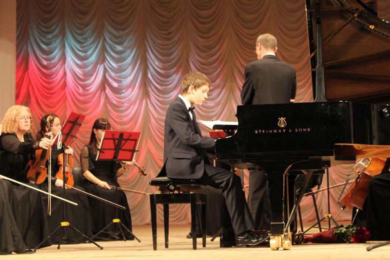 В Кирове прошёл фестиваль-конкурс пианистов «Рояль-концерт»