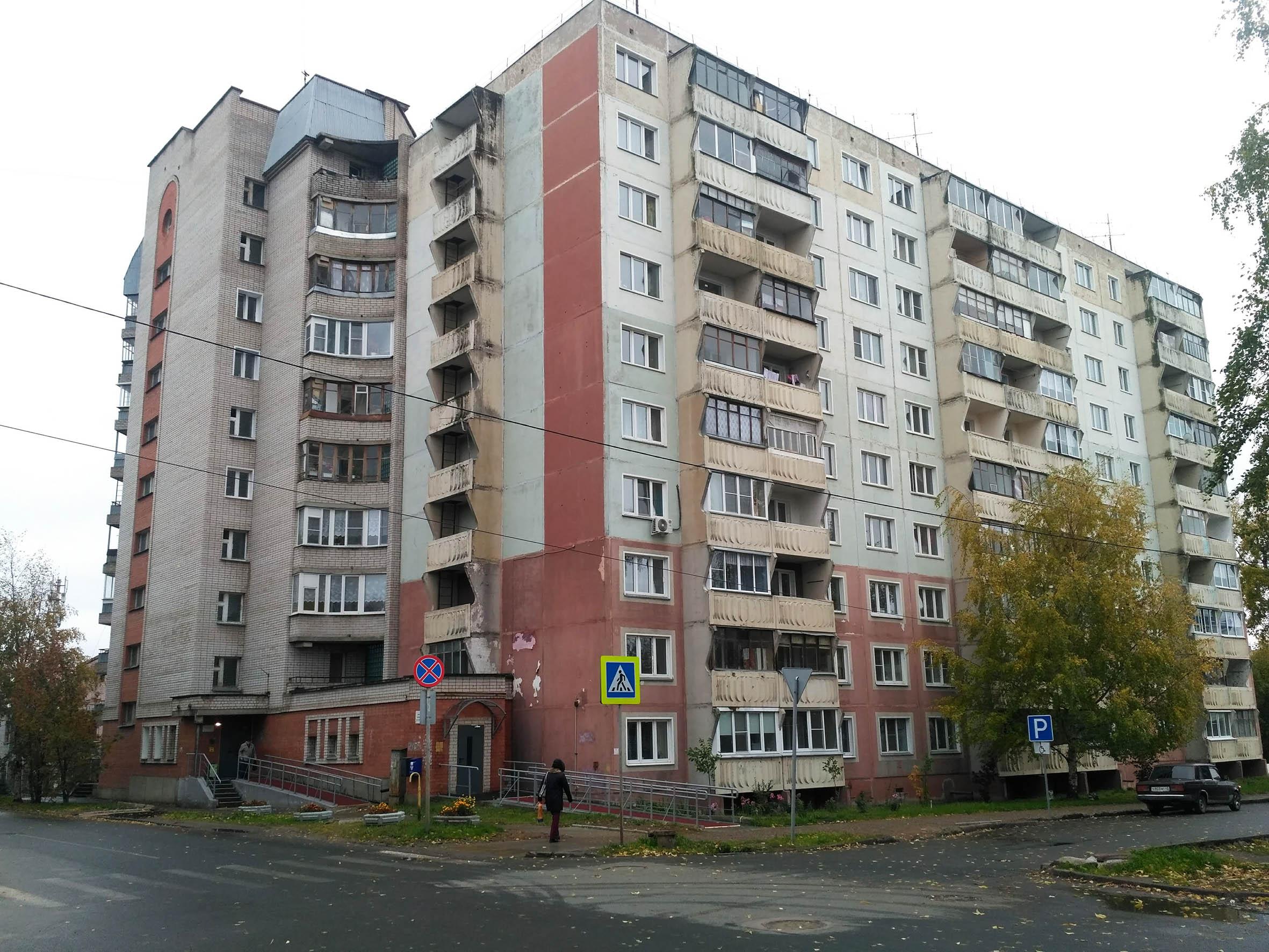 Кировских ветеранов заставляют проводить полный ремонт муниципального жилья
