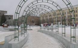 На Театральной площади начался демонтаж ледового городка