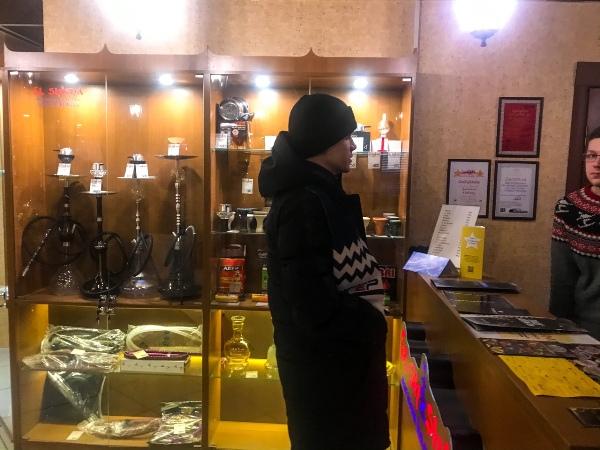 «Народный контроль» проверил кировские магазины на предмет торговли бестабачными никотиновыми смесями