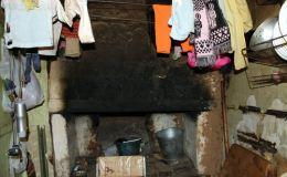 8-месячную дочь и 2-летнего сына мать оставила без присмотра на несколько дней