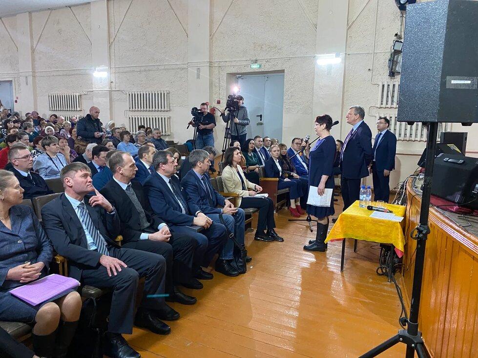 Проект «Единой России» «В центре внимания район» два дня отработал в Суне