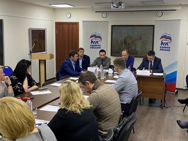 В Кирове состоялся круглый стол на тему снижения налоговых ставок для бизнеса