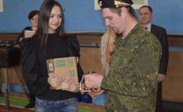 Родинцы подарили ролики для переправ яранским кадетам