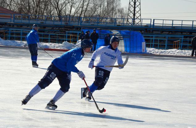 Лед на кировском стадионе «Родина» не растопят до конца марта
