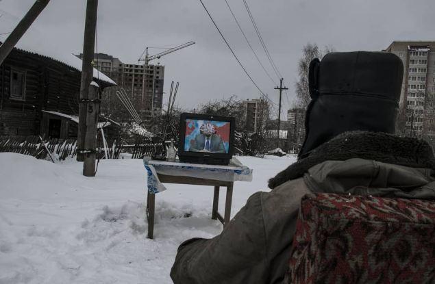 Политический художник из Кирова создал «Обращение коронавируса к россиянам»