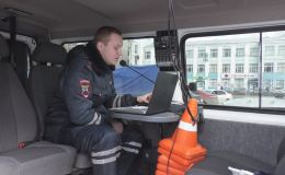 Полиция будет оповещать жителей Кирова о самоизоляции до конца апреля