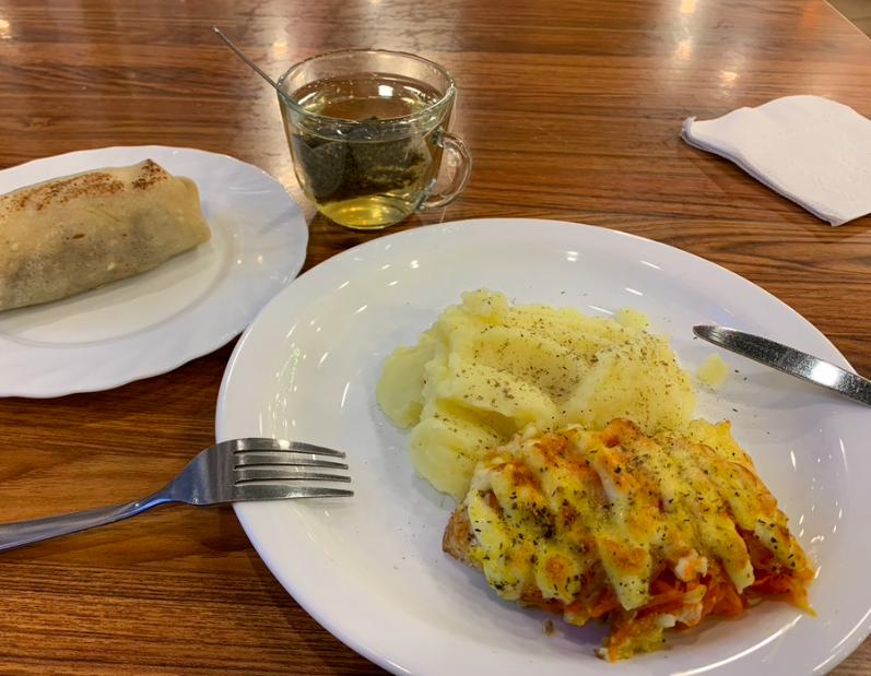 Кировским школьникам финансово компенсируют горячее питание