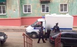 Избившие фельдшера в спецкомбинезоне кировчане признали свою вину