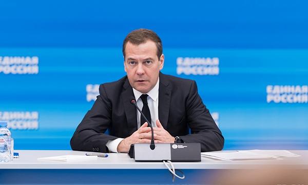 «Единая Россия» собрала 402 миллиона рублей на помощь медикам и гражданам в условиях коронавируса