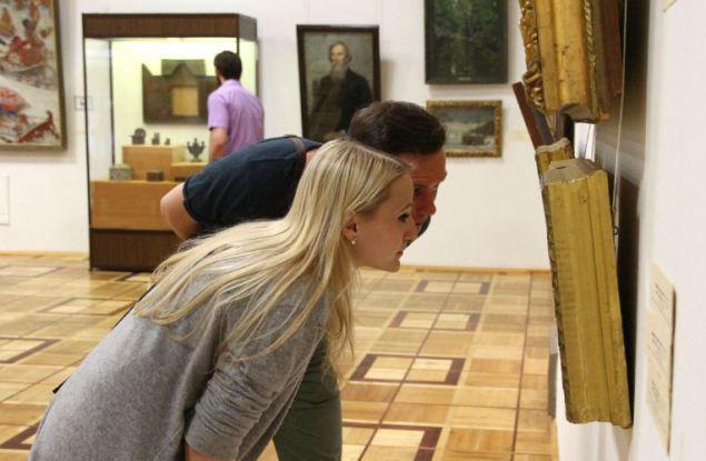 Как шедевры из Вятского художественного музея оказались на кухне?