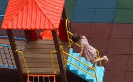 Мягкое резиновое покрытие для детских площадок: плитка и ее преимущества