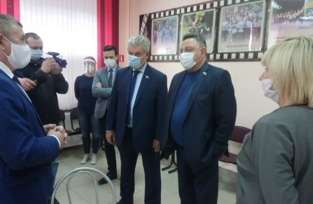 Вячеслав Тимченко ознакомился с работой избирательных участков