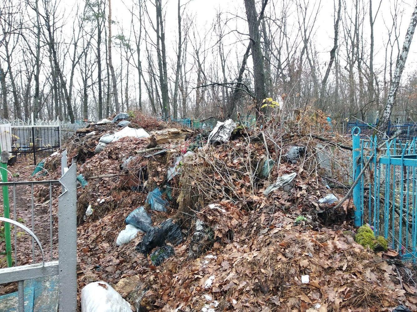 Свальный грех: неизвестные подожгли свалку рядом с церковью в селе Ильинское под Слободским