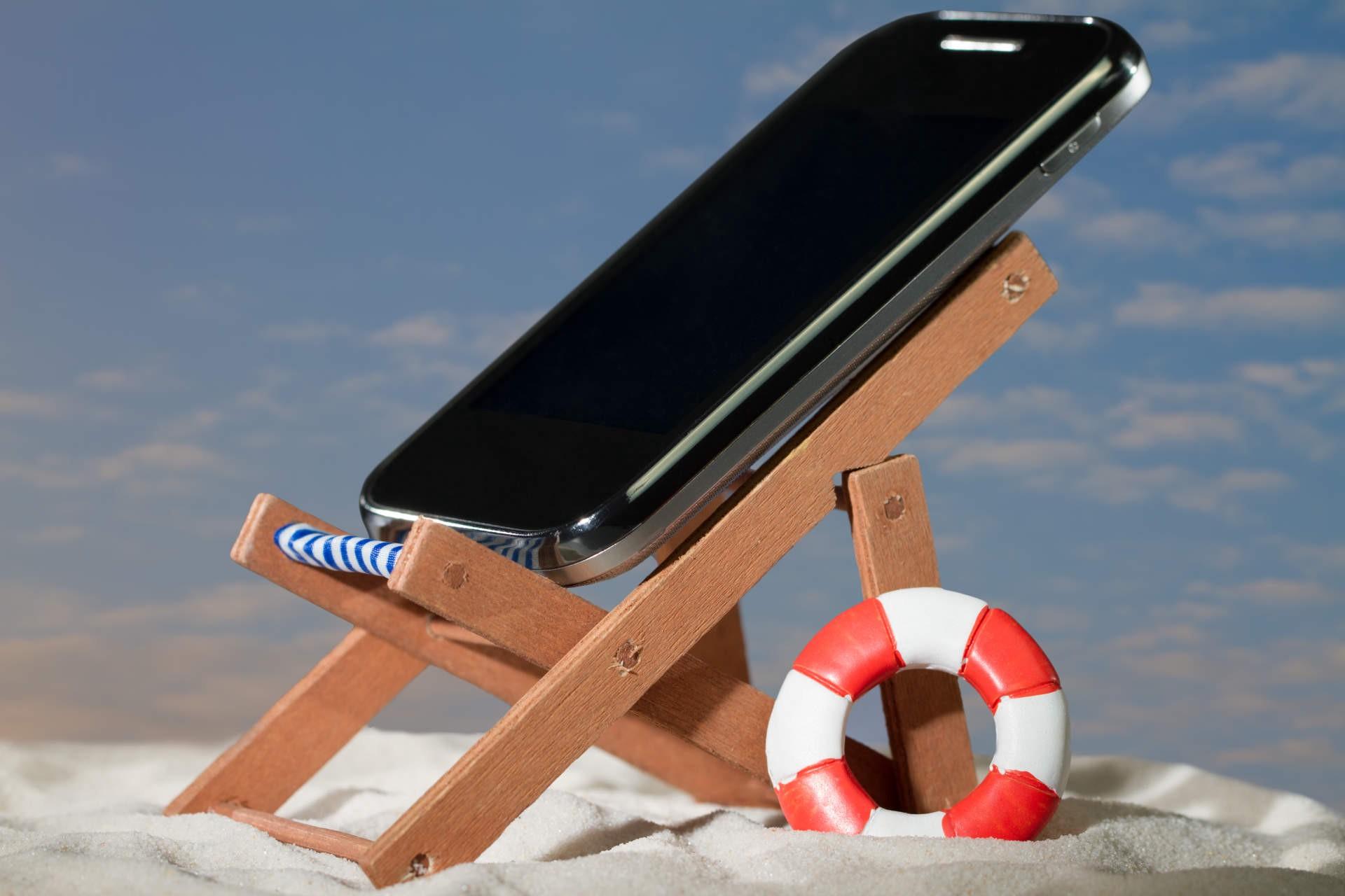 Готовим смартфон к отпуску
