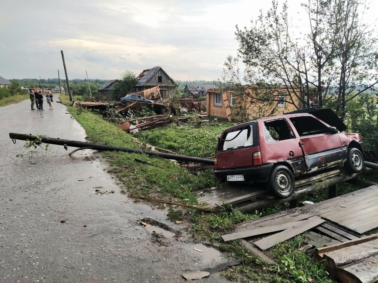 По северо-восточный районам Кировской области прошел разрушительный смерч