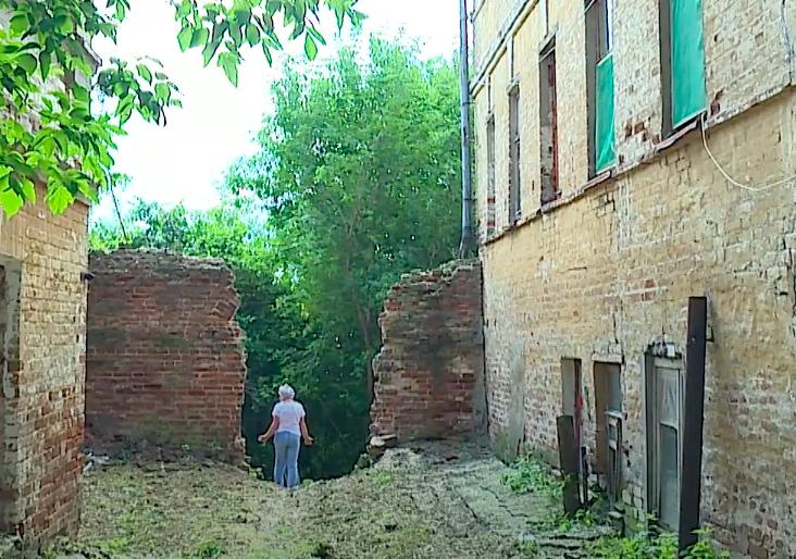 «Том Сойер Фест» взялся за восстановление стены Хлыновского кремля