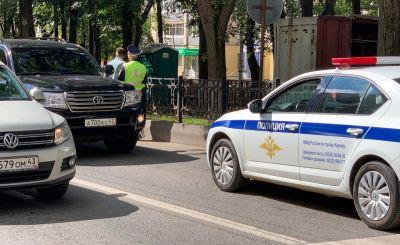 """В центре Кирова задержан водитель машины с """"блатными"""" номерами"""