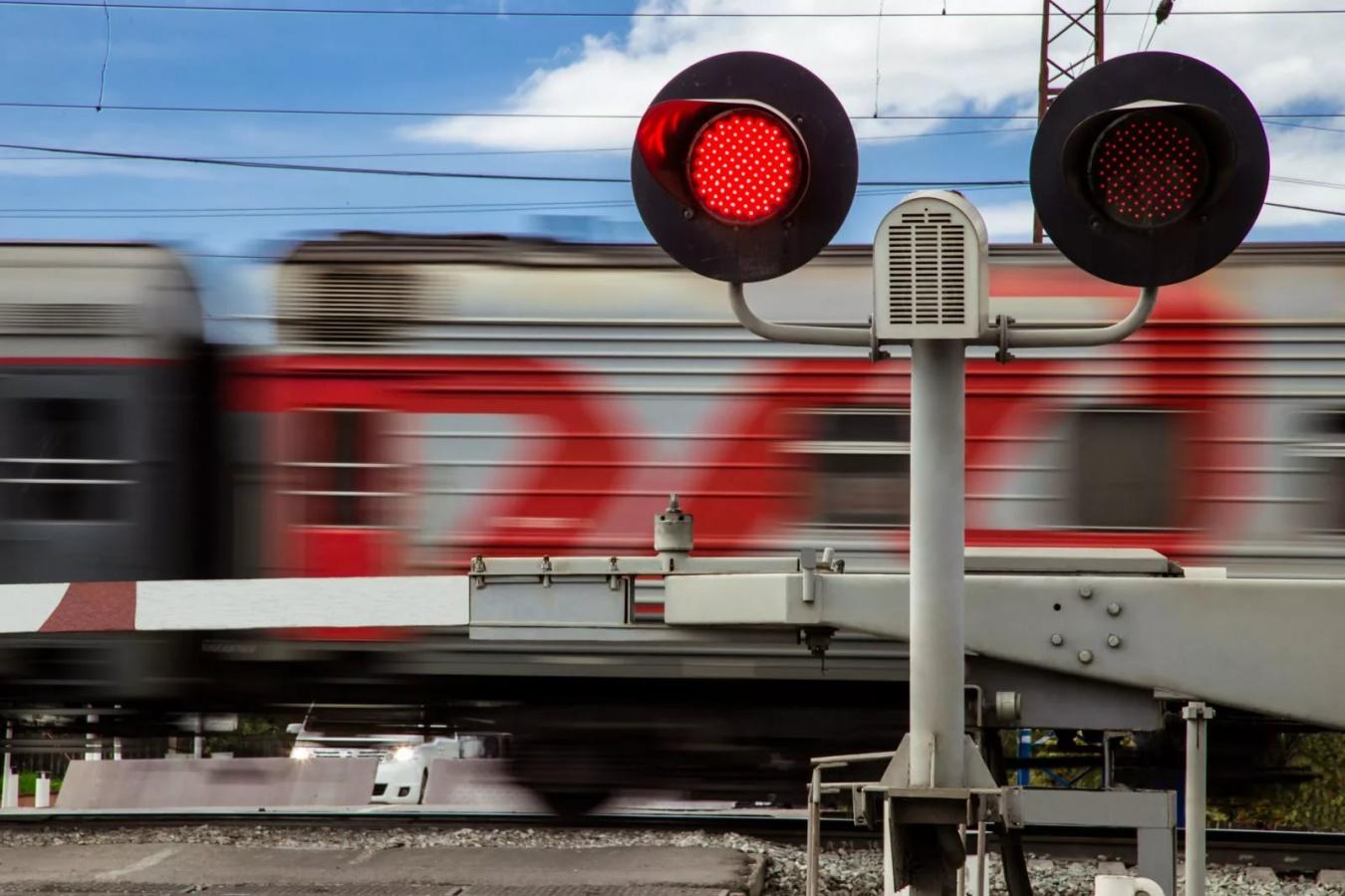 Этой ночью железнодорожный переезд в Нововятске будет закрыт