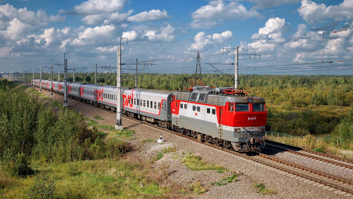В Кировской области задержали самый протяженный поезд России