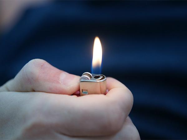Депутат из Кирова предложил запретить продажу газа несовершеннолетним