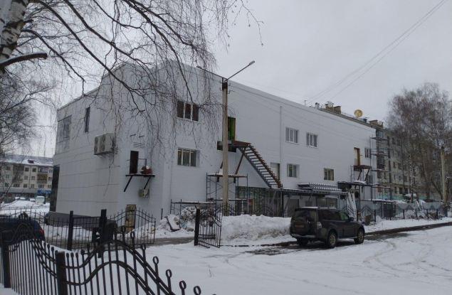 """Администрация признала строительство третьего этажа в торговом центре """"Новинка"""" незаконным"""