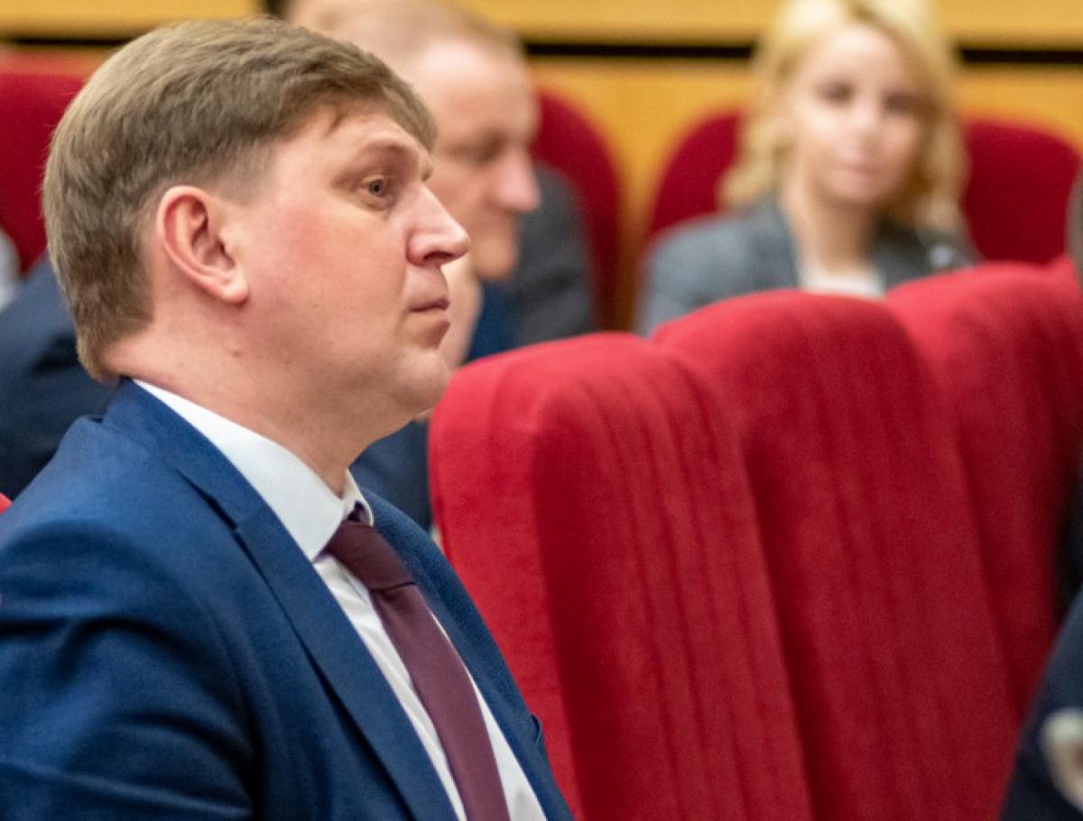 Депутат Заксобрания Игорь Суворов высказался в поддержку сокращения числа депутатов ОЗС