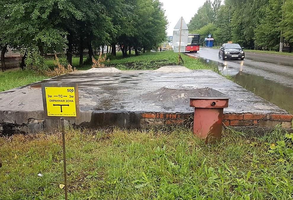 КТК установила в охранных зонах теплосетей предупреждающие знаки