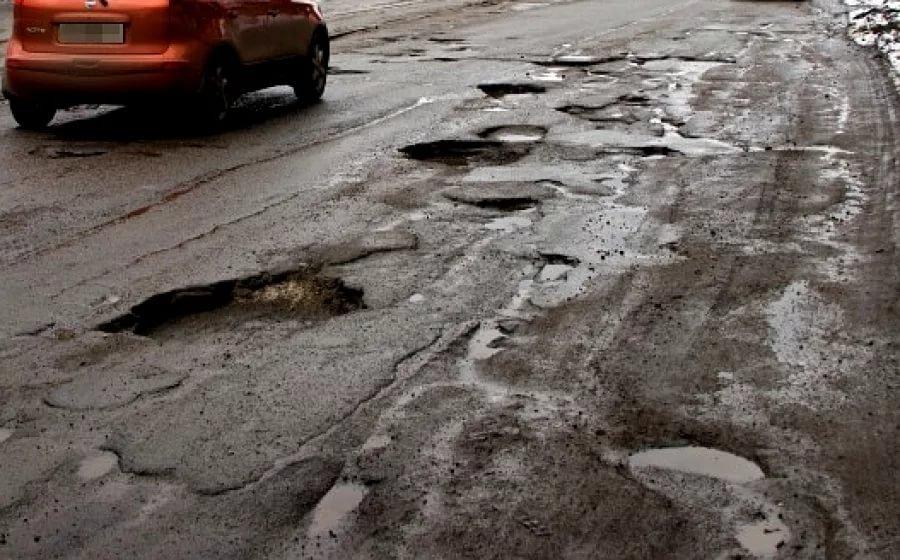 """""""Безопасные и качественные дороги"""" в Кирове оказались не такими уж и качественными"""