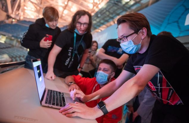 Студенты «Сириуса» отразили кибератаки на олимпийский стадион «Фишт»