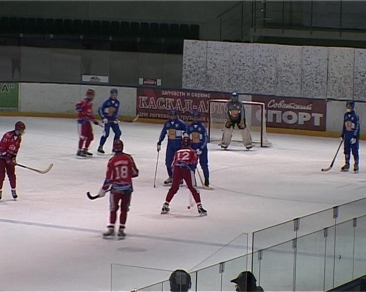 Кировская «Родина-2» провела первую тренировку на большом льду