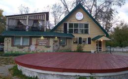 В Кирове начался снос скандально известного кафе