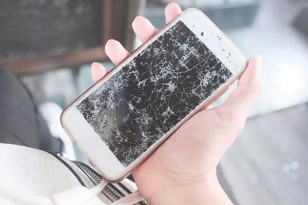 Разбить не страшно: «АльфаСтрахование» и «Ростелеком» предложили новую защиту для смартфонов