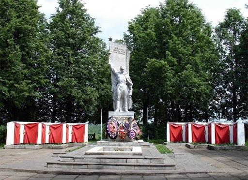 В Слободском собирают на реставрацию мемориала «Вечного огня»