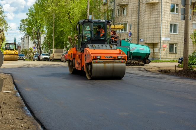 К осени 2022 года будут отстроены новые участки дорог на улицах Сурикова, Зеленина и Восьмого марта