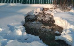 Жители села в Орловском районе остались без водоснабженияи вынуждены топить снег, чтобы помыться в бане