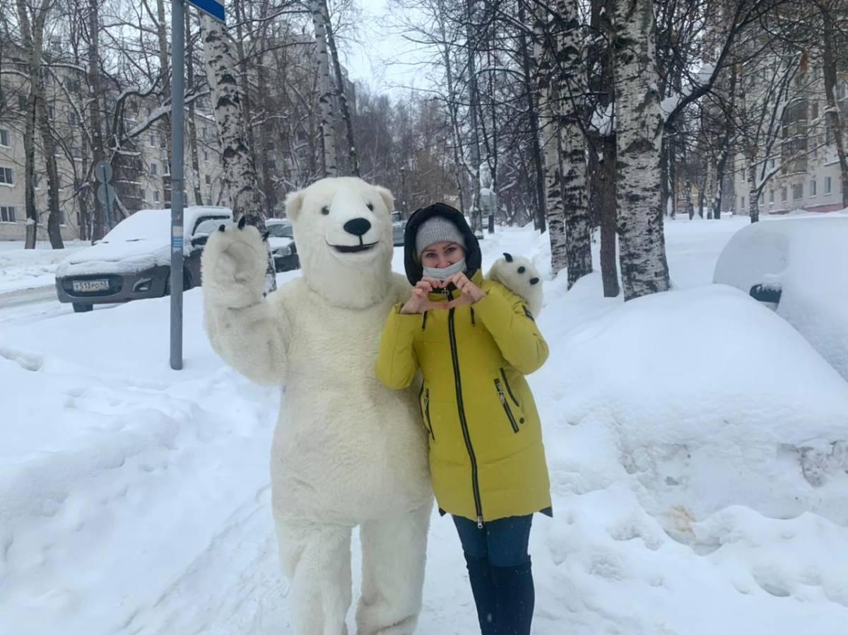 Кировчан поздравили с праздником всех влюбленных